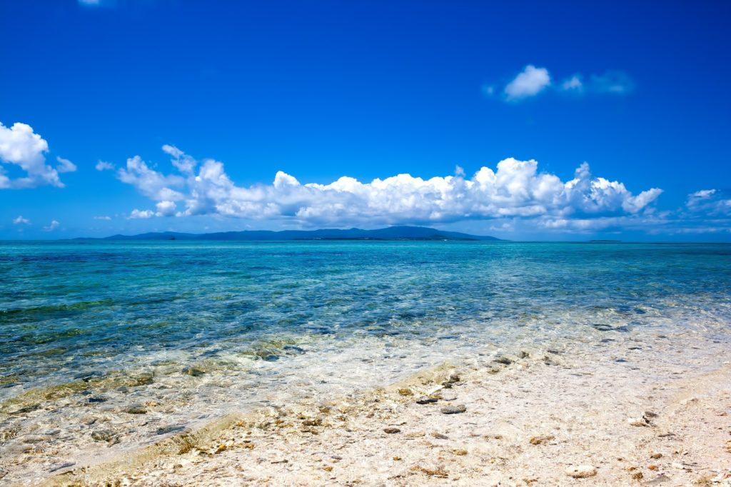 晴れた天気と海の話のネタ